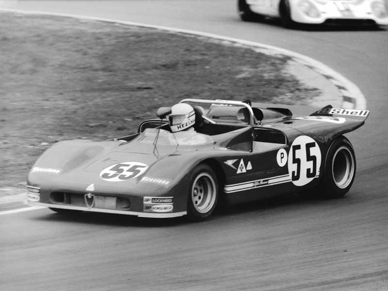 9---1971-Brands-1000Kms-T33-3-Toine-Hezemans-in-lead